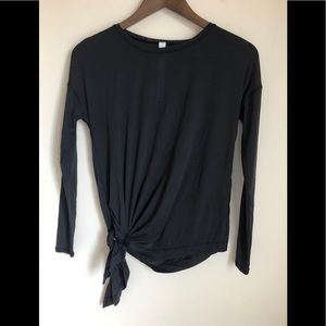 NWOT Lululemon to the point Black Top